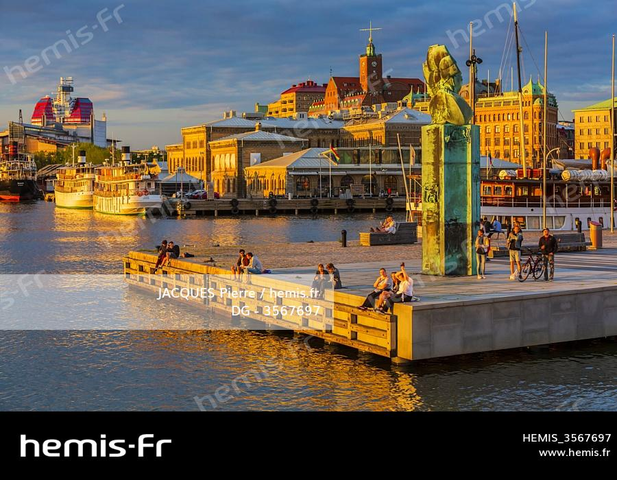 Hemis Stock Photo Agency Specialized Travel Tourism Nature And Environment Sweden Vastra Gotaland Goteborg Gothenburg View Monument Immigration Called Delaware Monument Buildings