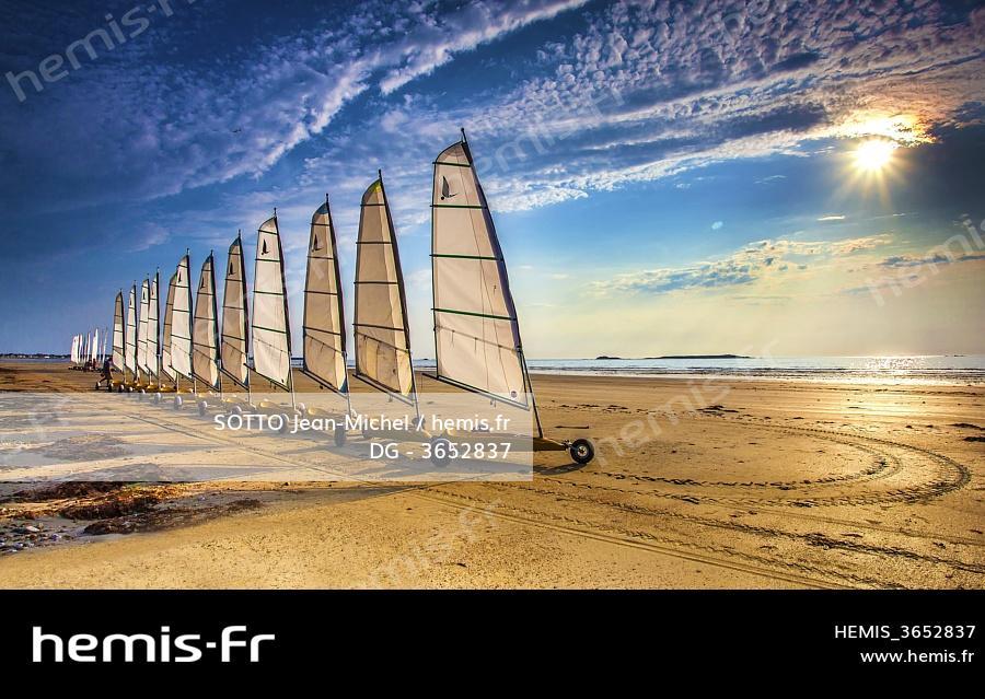 Hemis France Morbihan Saint Pierre Quiberon Alignement Chars Voile Coucher Soleil
