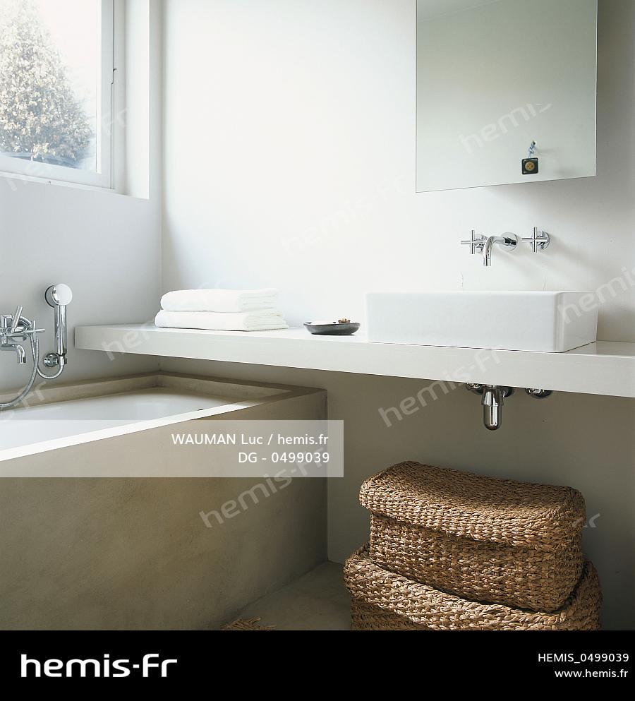Hemis : Belgique, Bruxelles: Se détendre dans sa salle de bain
